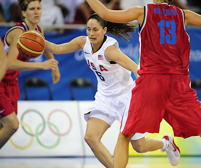 Sue Bird helped lead the U.S. rout of the Czech Republic, 97-57, in the Women's Preliminary Round.