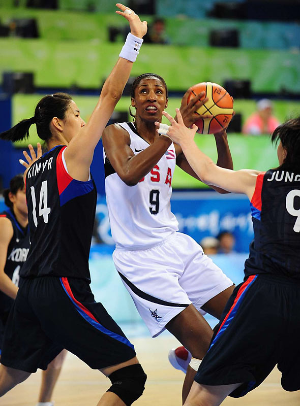 Lisa Leslie and and the U.S. women's basketball team were too big for South Korea to handle.