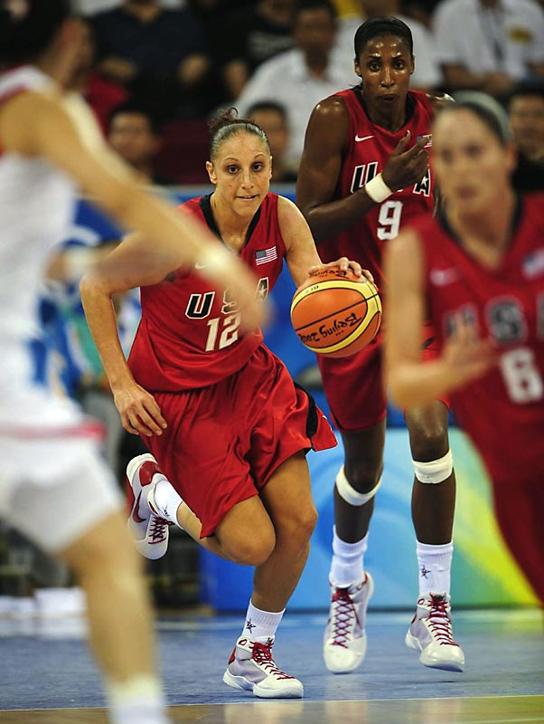 Diana Taurasi leads a fast break with Lisa Leslie following closely behind in an 108-63 victory over China.
