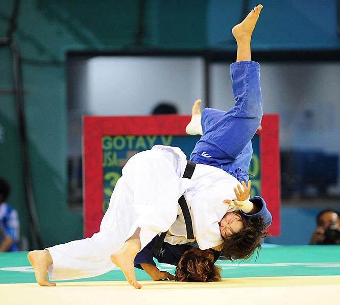 Valerie Gotay of the U.S. and Gulzat Uralbayeva of Kazakhstan go head to head.