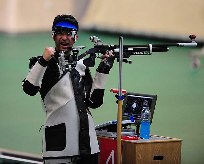 Abhinav Bindra of India won gold inthe 10 meter air rifle.