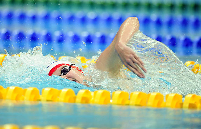Rebecca Adlington of Britain won gold in the 800m freestyle, breaking Janet Evans' 19-year-old world record -- the oldest record in swimming. Adlington's time of 8:14.10 crushed the mark of 8:16.22 set by the American in Tokyo on Aug. 20, 1989. Alessia Filippi of Italy took the silver, and Lotte Friis of Denmark the bronze.