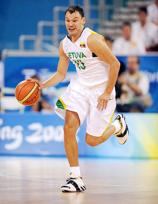 Jasikevicius, who played in the NBA with the Indiana Pacers and Golden State Warriors, made 7-of-8 from the field (including 5-for-6 from beyond the arc) and scored 23 points to go with six assists as Lithuania knocked out host China 94-68 in the quarterfinals.