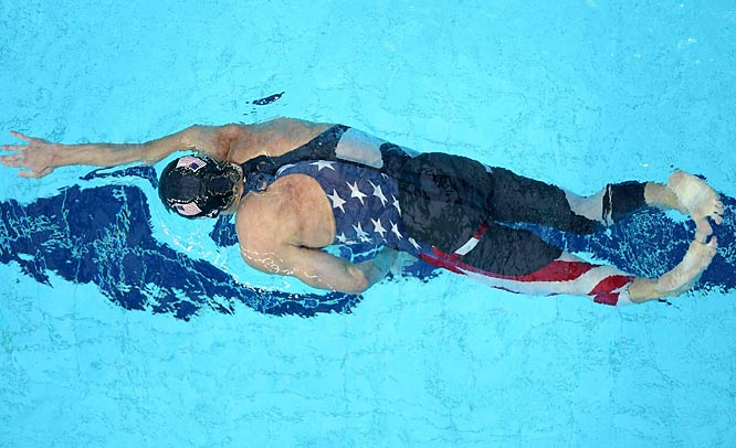 Michael Phelps en route to helping set a world record in the 4x200 freestyle relay.