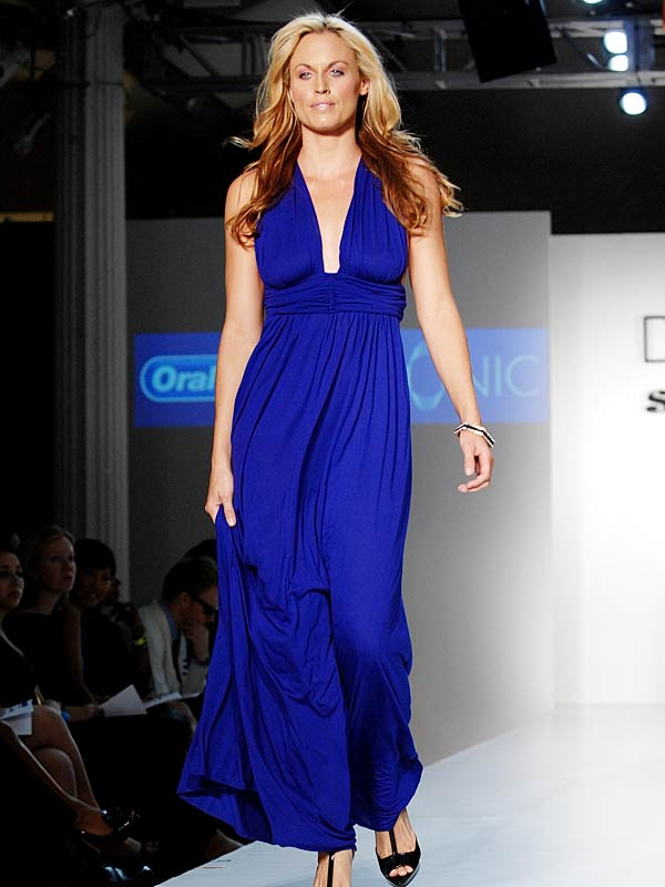 Olympic gold-medal swimmer Amanda Beard walked the runway at the Dash & Smooch Spring 2009 fashion show