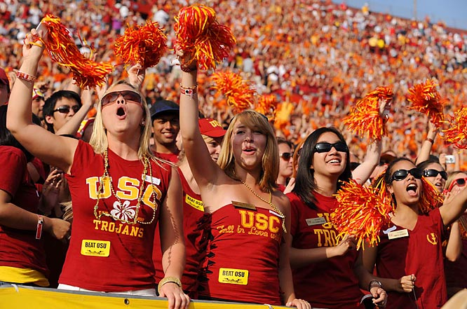 These USC co-eds enjoyed the fine weather and a dominant performance by their Trojans Saturday against OSU.