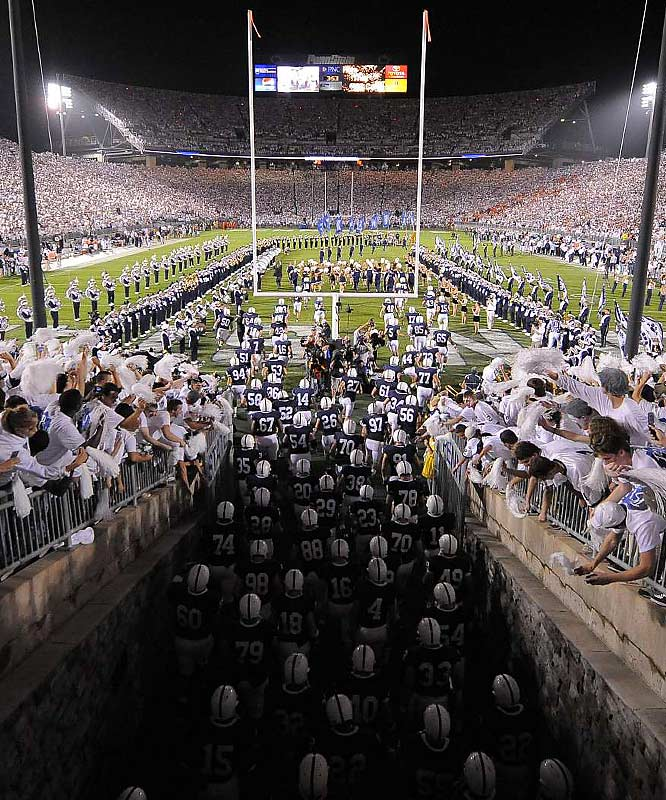 """The people of Happy Valley continue to smile upon their  team as the Nittany Lions downed Illinois, 38-24, in the midst of another well-timed and well-designed """"White Out."""""""