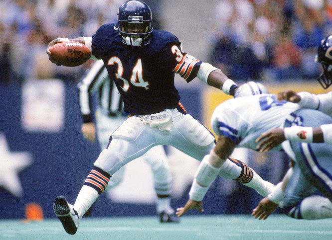 Running back Walter Payton was offensive player of the year and linebacker Mike Singletary was defensive player of the year on a team that lost just one game, giving up just 10 points in three playoff games.