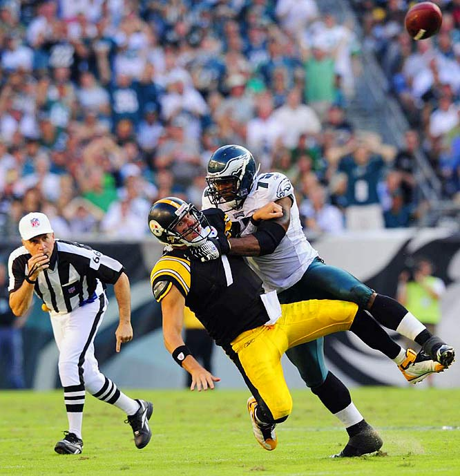 Ben Roethlisberger gets rid of the ball as defensive end Jaqua Parker brings him down.  Parker had 2 1/2 sacks as the Eagles kept blitzing Roethlisberger, banged him around and eventually knocked him out of the game.