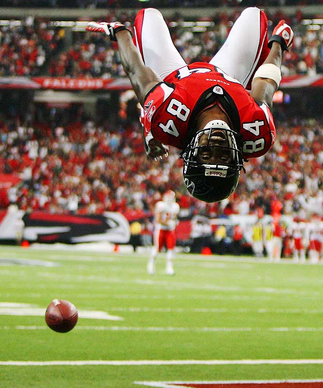 Roddy White does a back-flip to celebrate his 70-yard touchdown reception during the first quarter of the Falcons' 38-14 win over the Chiefs.