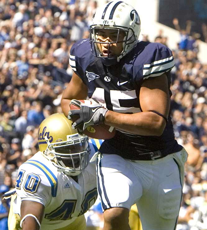 Running back Harvey Unga registered 119 total yards (76 rushing) and 2 TDs in No. 18 BYU's blowout victory in Provo.