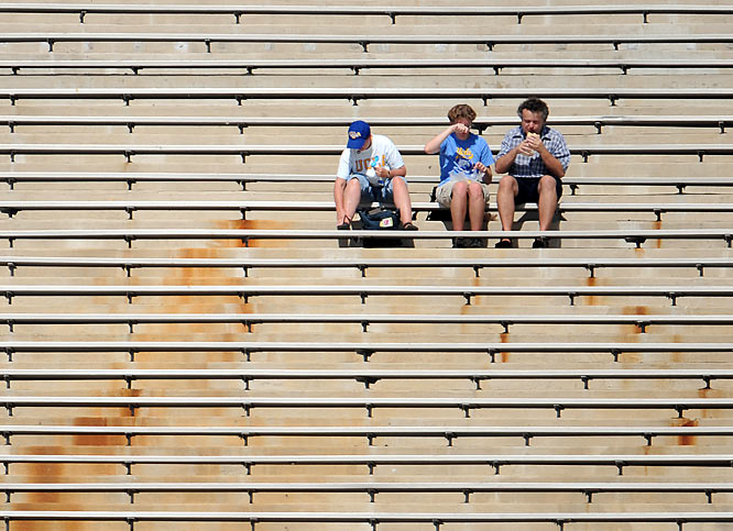It's a lonely time to be a UCLA fan.