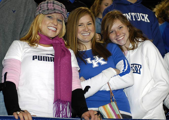 These Kentucky fans managed to look stylish and supportive at the same time.
