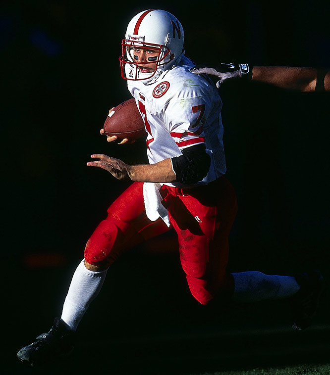 Two years before being awarded the 2001 Heisman, Nebraska quarterback Eric Crouch runs the ball all the way to a 12-1 season.
