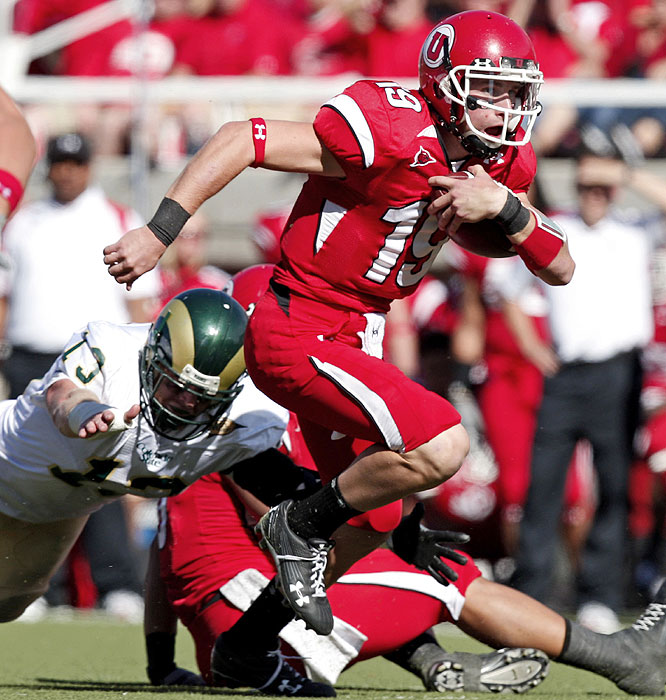 Backup quarterback Corbin Louks ran for 109 yards and two touchdowns as the Utes gained 549 yards of offense to move to 8-0.