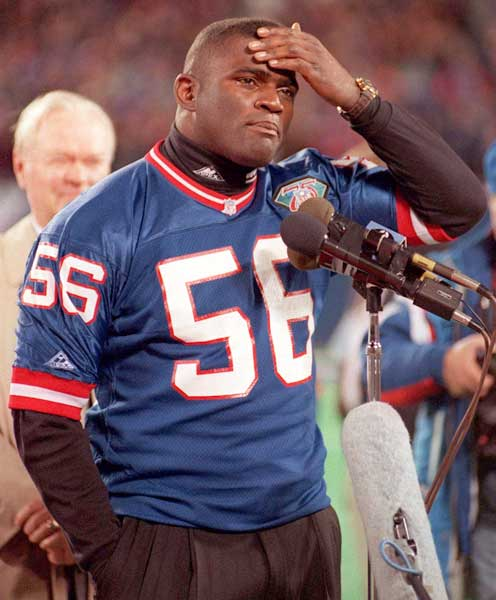The New York Giants retire Lawrence Taylor's No. 56 jersey.