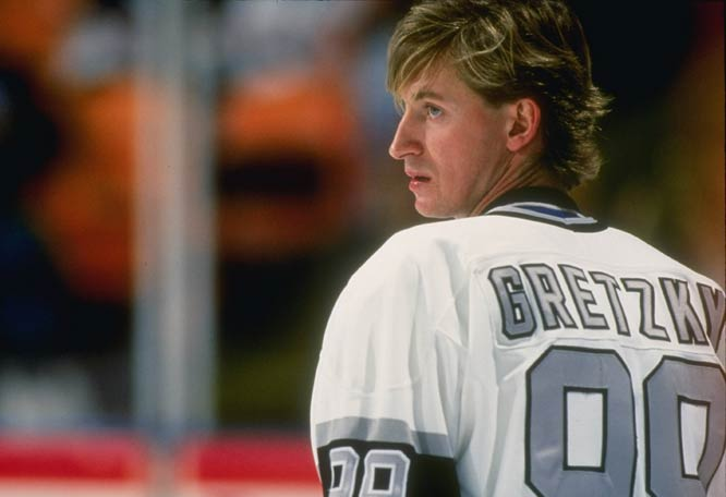 Wayne Gretzky passes Gordie Howe and becomes the NHL's all-time top scorer.