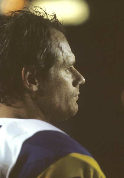 Los Angeles Rams defensive end Fred Dryer becomes the first player to record two safeties in one game in the Rams' 24-7 victory over the Green Bay Packers.