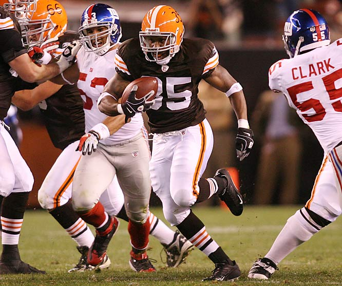 In their Week 6 upset of the New York Giants, the Browns pulled off some big offensive plays, including a 33-yard reverse by running back Jerome Harrison (pictured). The play led to a field goal as Cleveland cruised to a 35-14 Monday night win.