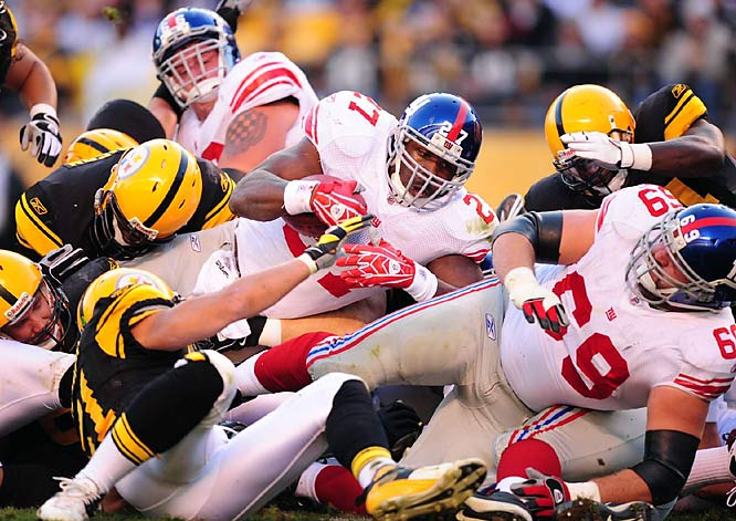 In what was billed as a possible Super Bowl preview, the Giants and Steelers locked horns in a defensive battle. Brandon Jacobs pounded out 47 yards on the ground, and the Giants scored 12 unanswered fourth quarter points for the 21-14 victory.