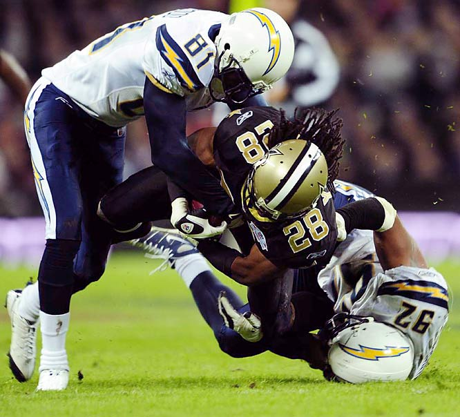 The Saints jumped out to an early lead against the Chargers with help from a Darren Sproles fumble. Usama Young recovered the ball, and six plays later New Orleans scored its second touchdown in a 2:10 span for an early 16-3 lead.