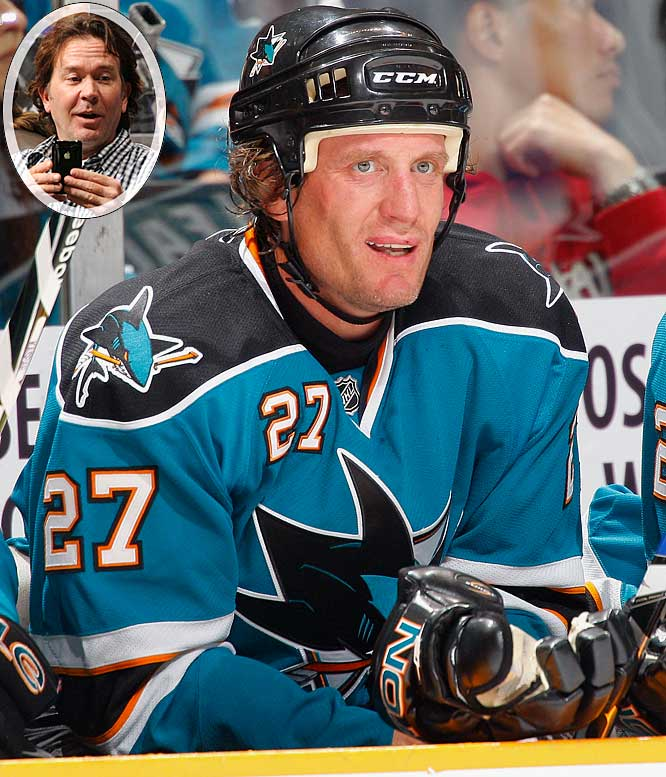"As Roenick enters his 20th NHL season, he is looking at his options after retirement, which could include a career as an actor. After appearing in ""Hack"" and ""Ghost Whisperer,"" he recently filmed a scene for the TNT original series ""Leverage,"" which will debut in Dec. 7. Roenick, whose scene will be in the first scene of the series opener, plays a security guard who gets duped by a woman. ""The camera and I seem to mix together very well,"" Roenick told me. ""I had 5-7 lines, which was cool. It allows me to be something different. Working with Timothy Hutton was great, he's a fantastic guy and when I left he gave me his number and told me to call him up, he wants to come to a couple games."""