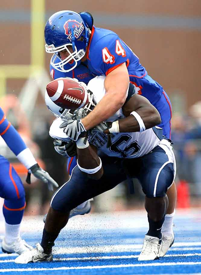 Boise State rolled up 563 total yards and held the Aggies to 44 yards rushing and forced six turnovers in a dominant performance.