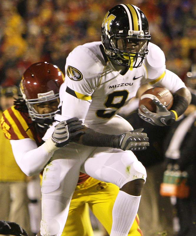 Yes, the Big 12 has Michael Crabtree ... but don't forget about Jeremy Maclin, either. The sophomore stud hauled in eight catches for 103 yards and 1 TD in the Tigers' road romp against the Cyclones.