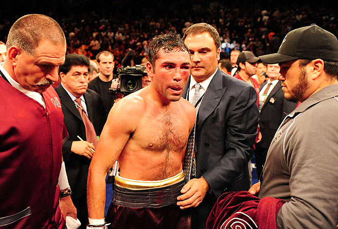 De La Hoya, who dropped down to 147 pounds for the first time in seven years to fight Pacquiao, had a big reach and height advantage, leading many to think he could out-punch the Filipino.
