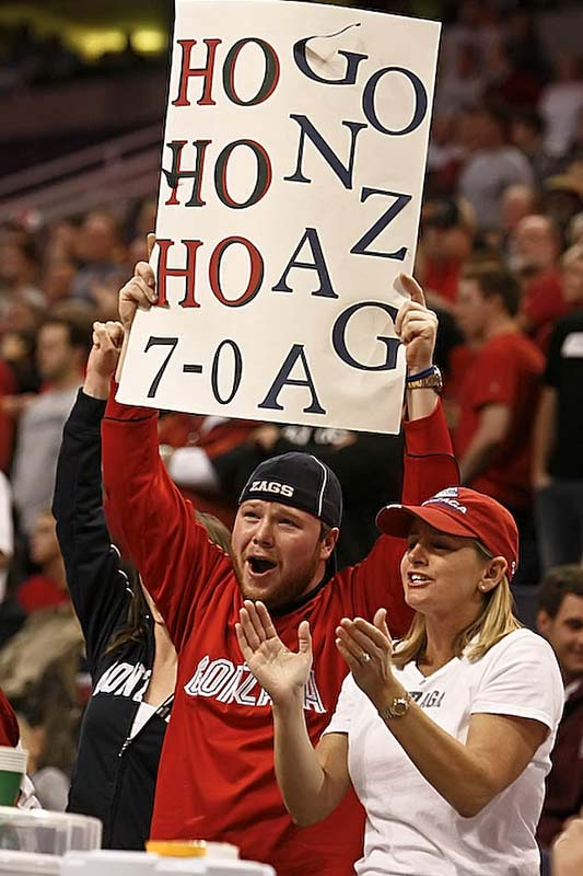 This Gonzaga fan incorporated team pride and holiday spirit into one sign.