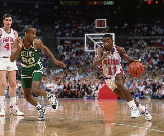 Isiah Thomas becomes Detroit's all-time leading scorer  after scoring a game-high 22 points in the Pistons' 94-87 win over Houston. Thomas passed previous leader Bob Lanier on Detroit's all-time scoring chart.