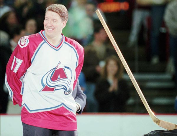 Colorado's Jari Kurri becomes the eighth player in NHL history to score 600 goals.