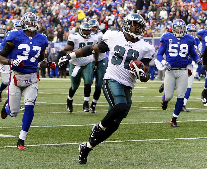 Westbrook powered the Eagles' offense against the defending champs Sunday, as Philadelphia handed Big Blue its second loss of the season. Westbrook ran for 131 yards on a season-high 33 carries, added another 72 yards receiving, and scored his 14th touchdown of the season.