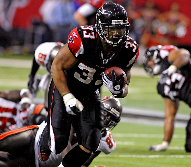Turner ran for 152 yards and a touchdown on a career-high 32 carries, picking up big chunks of real estate as the Falcons eked out a 13-10 overtime win over the Tampa Bay Buccaneers. It was Turner's seventh 100-yard rushing game of the season.