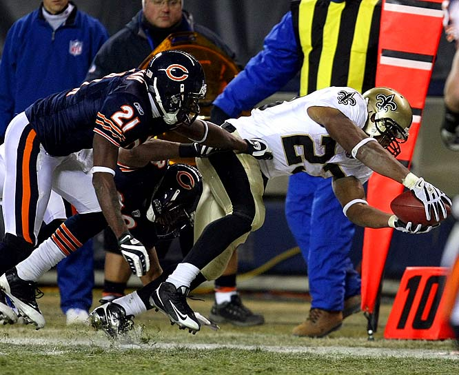 Down 21-7 late in the third quarter, Chicago native Pierre Thomas ignited the Saints' comeback with a 42-yard touchdown run. For the game, Thomas rushed for 87 yards, while also adding 59 yards and a second touchdown receiving.