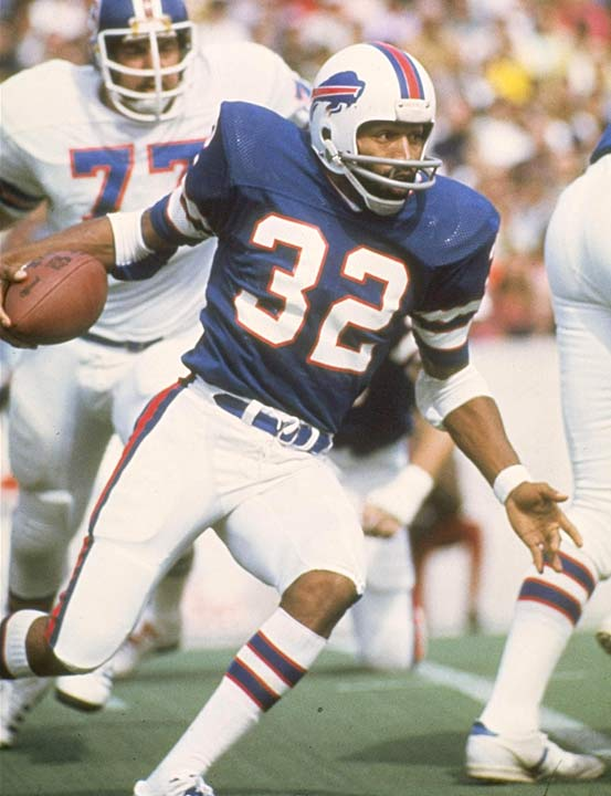 Simpson chose the NFL, but struggled early in his career. In his first three years with the Bills, Simpson averaging a mere 642 yards per season.