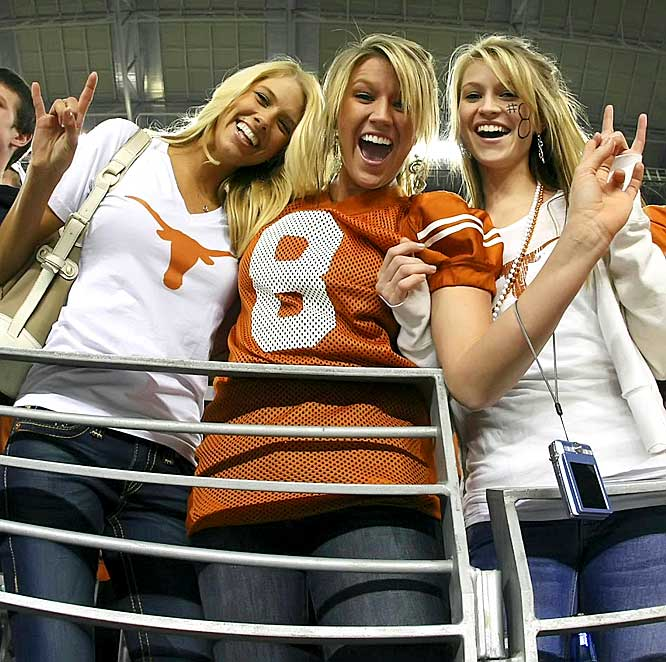Yes, that's Colt McCoy's girlfriend on the left.