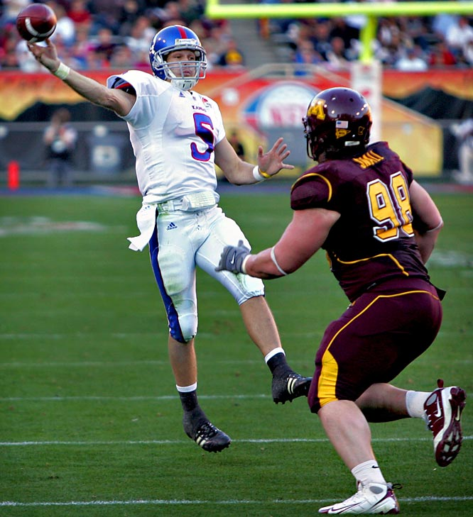 Jayhawks QB Todd Reesing had his way with the Gophers secondary, completing 27 of 35 passes for 313 yards and four touchdowns. His favorite target was Dezmon Briscoe, who hauled in 14 receptions for 201 yards and three touchdowns.