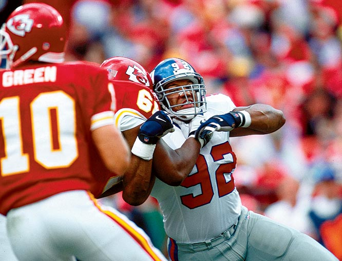 A powerful pass-rusher, Strahan only recorded 10 sacks twice in his first eight seasons in the NFL before breaking the league's single-season sack record in 2001. For the year, Strahan recorded 22.5 sacks and 73 tackles for the 7-9 Giants.