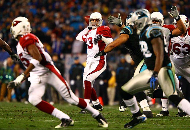Kurt Warner completed 21-of-32 passes for 220 yards and two touchdowns with just one interception.