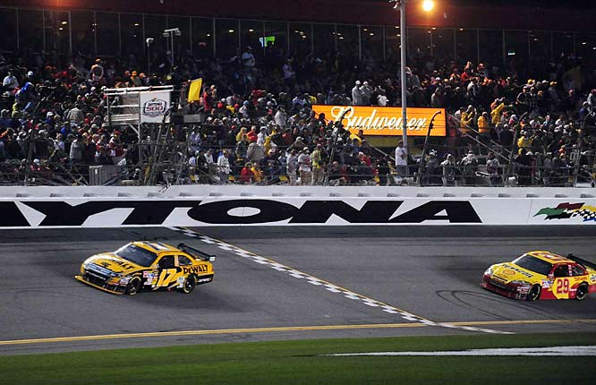 The win was the first for Kenseth since the 2007 season finale, a streak of 36-winless races. He was also 11th in the final season standings, his lowest since he was 13th during a winless 2001 campaign.