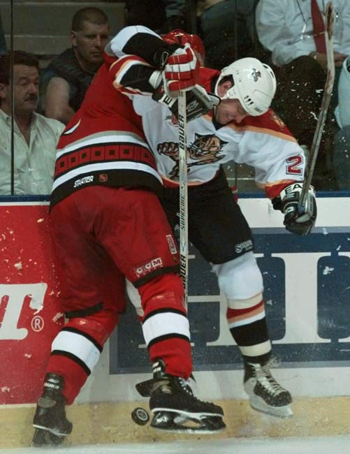 Florida's Dino Ciccarelli (right) became the ninth NHL player to score 600 career goals.