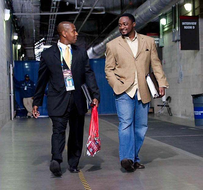 Mike Tomlin arrives at the Super Bowl.