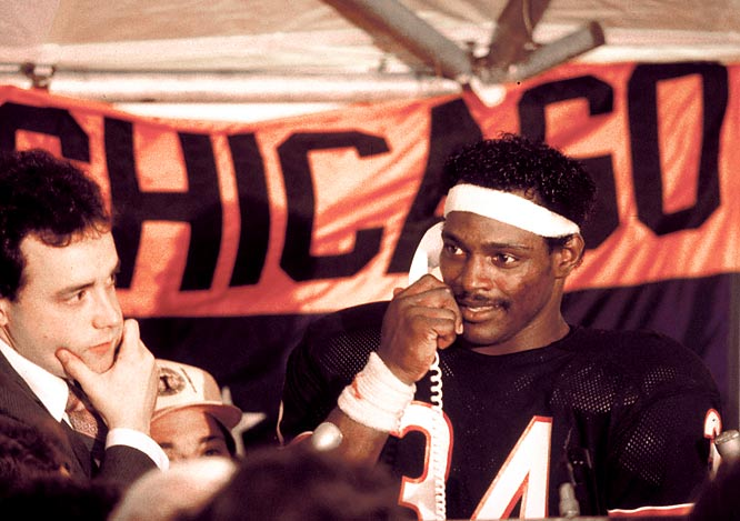 After eclipsing Brown's mark of 12,312 yards, Payton received a congratulatory call from President Regan.