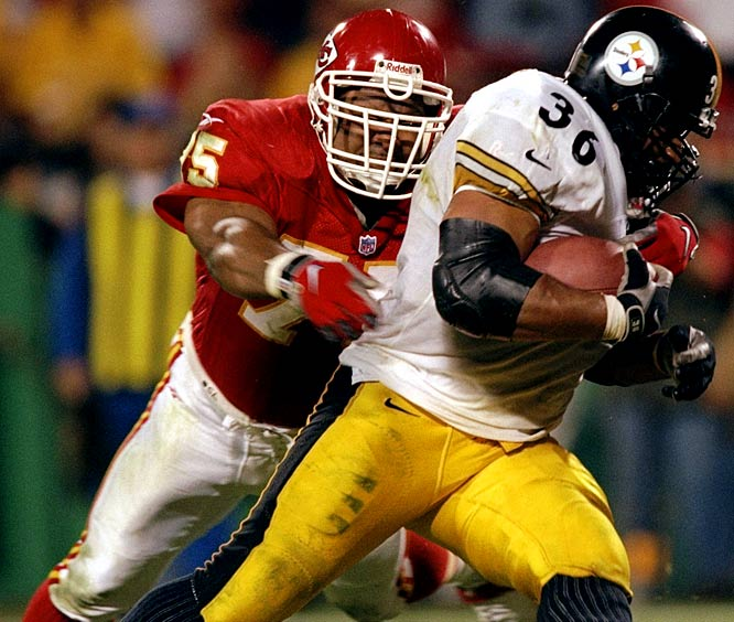 Prior to signing, McGlockton had been to four straight Pro Bowls as a Raider.  But as soon as he came to Arrowhead Stadium, his production took a nosedive.  McGlockton made only seven sacks in three years with the Chiefs and averaged 35.7 tackles per year.