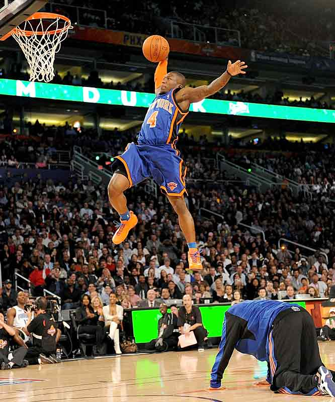 Nate Robinson glides in for a beautiful dunk after piggybacking off Knicks teammate Wilson Chandler.