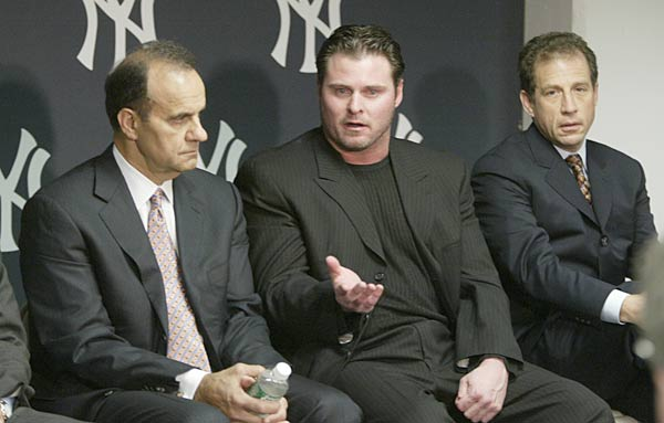 Yankee first baseman Jason Giambi apologizes to  teammates, fans and baseball fans everywhere for letting them down last season. The All-Star first baseman, however, never uses the word steroids as he accepts full responsibility for the controversy.