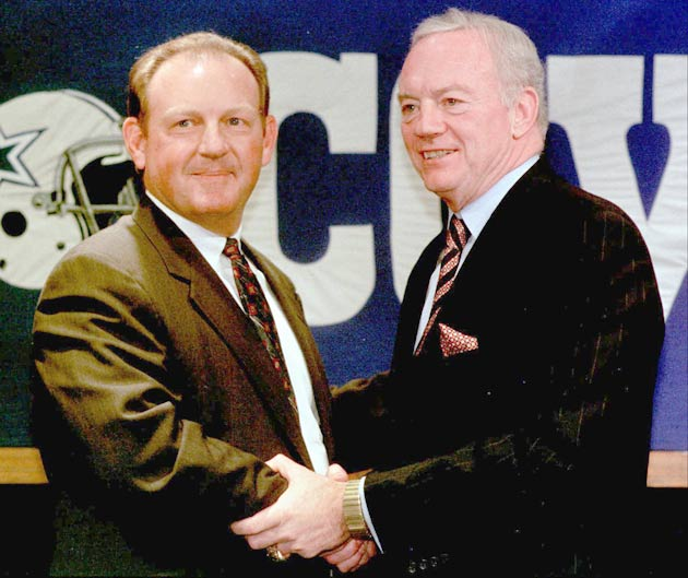 The Dallas Cowboys sign Chan Gailey to be the fourth head coach in franchise history.