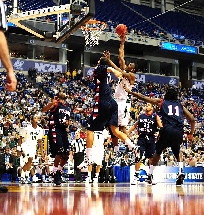 """Raymar Morgan and Draymond Green finished with 16 points as the Spartans bullied No. 15 seed Robert Morris. """"We played one of our better games,"""" Spartan coach Tom Izzo said."""