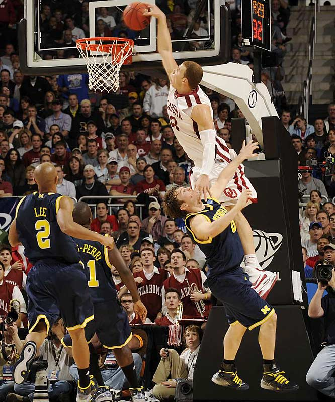 Blake Griffin tallied 33 points and 14 boards against Michigan's 1-3-1 zone trap.